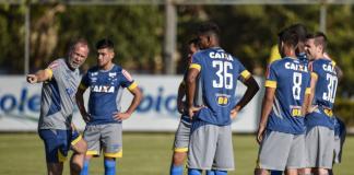 Cruzeiro treina