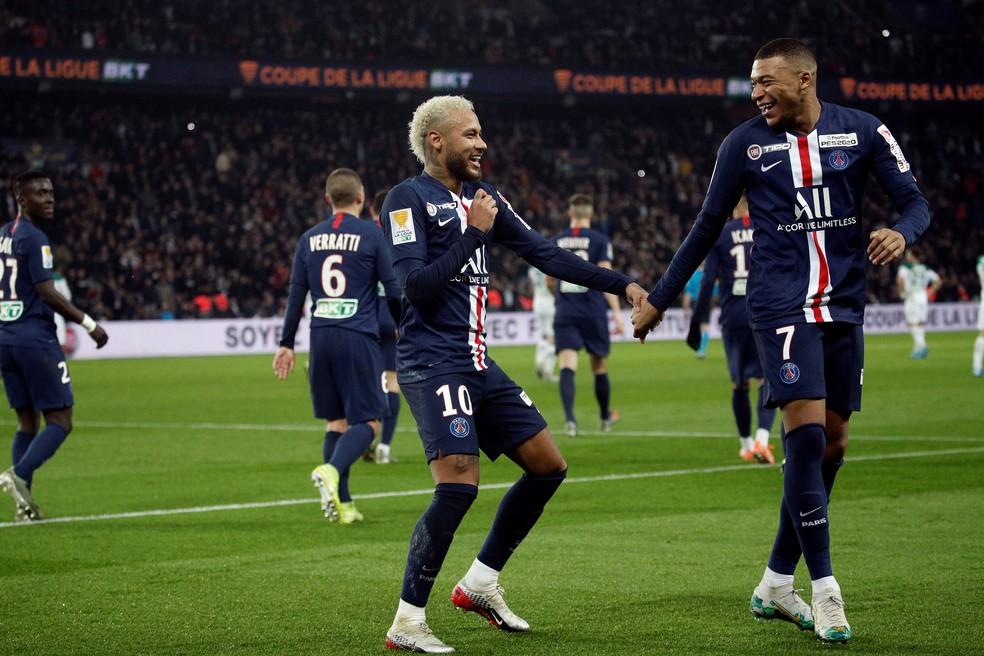 PSG trava saída de Neymar e leva Barcelona a oferta final