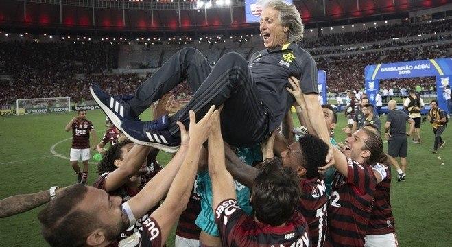 Jorge Jesus comemora mais uma vitória do Flamengo