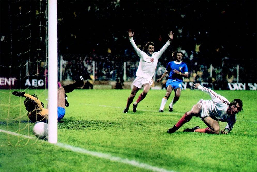Conheça a seleção holandesa de 1974, a famosa Laranja Mecânica