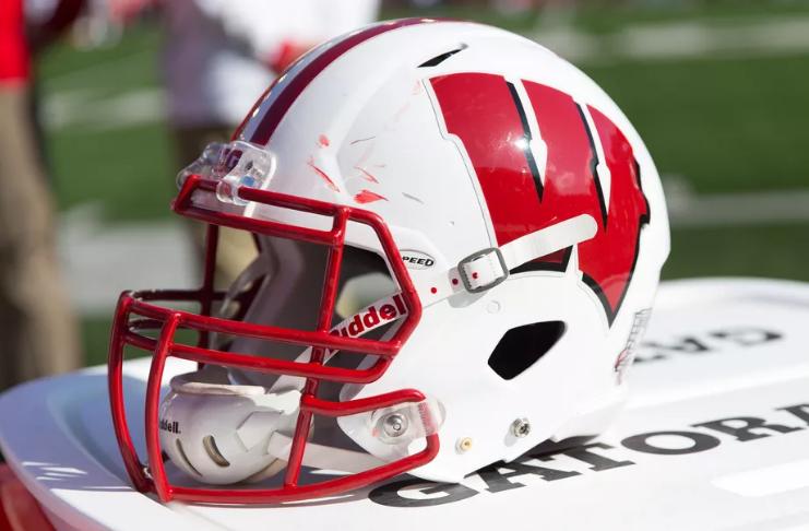 Wisconsin pausa atividades e cancela jogo de Nebraska após testes positivos de Covid-19